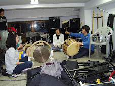 Honor's English drum class