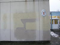 bomba, Budapest, falfirka, graffiti, horogkereszt, lakótelep, Nagy Lajos király útja, Nagyzugló, street art, tiltott önkényuralmi jelkép, vandalizmus, vöröscsillag, XIV. kerület, Zugló
