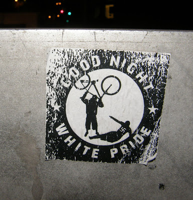 Budapest, II. kerület, matrica, public art, sticker, street-art, good night white pride, antifa, ragacs