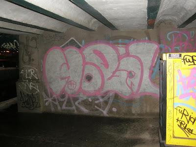 Budapest,  Dunakorzó,  Duna-korzó, Corso, blog, street-art, graffiti,  bomba