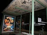 utasbeállók, Budapest, street-art, writers, blog, tag, Raiffeisen, Epamedia, Intermédia Kft, City Light, reklám, kosz, szerződésszegés, teg