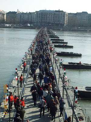budapest, 2003, Budapest, csatlakozás, EU, Európa-híd, március 15, Pontonhíd, Supergroup