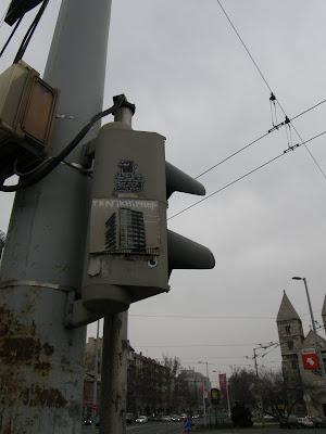Ferdinand Híd, XIII. kerület,  Budapest, Újlipótváros, matrica, költészet, matricaköltészet, street art