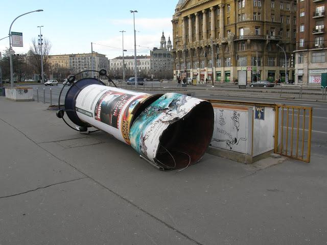 belváros, hirdetőoszlop, Károly körút, reklám, Tanács körút, Budapest,  Magyarország, V. kerület