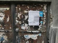 Mária utca, VIII. kerület, plakát, mkkp, Kétfarkú Kutya Párt, street art, Budapest, lakótelep, panel