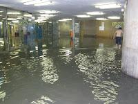 Magyarország, Budapest,  aluljáró, árvíz, elakadás, szennyvízcsatorna,   3 metró, Kálvin tér, V. kerület, Belváros, BKV