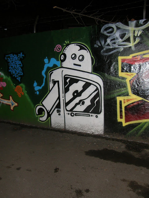 Filatorigát, Budapest,  III. kerület,  Óbuda,  street art, graffiti,  bomba, legal
