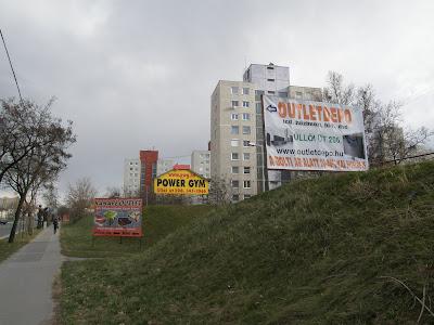 Budapest, lakótelep, XIX. kerület, reklám, reklámozás, illegális parkolók, városkép, Budapest, Magyarország, Kispest