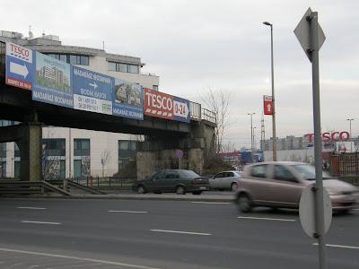 Északi Összekötő Vasúti híd, street art, IV. kerület, Budapest, reklám, plakát,  Újpest