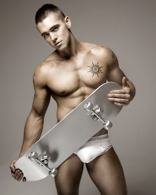 gaydreamblog gay shirtless guy in underwear with bulge with skater skateboard
