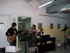 Canta Verónica Nosmar. Matías Ortiz al Bajo
