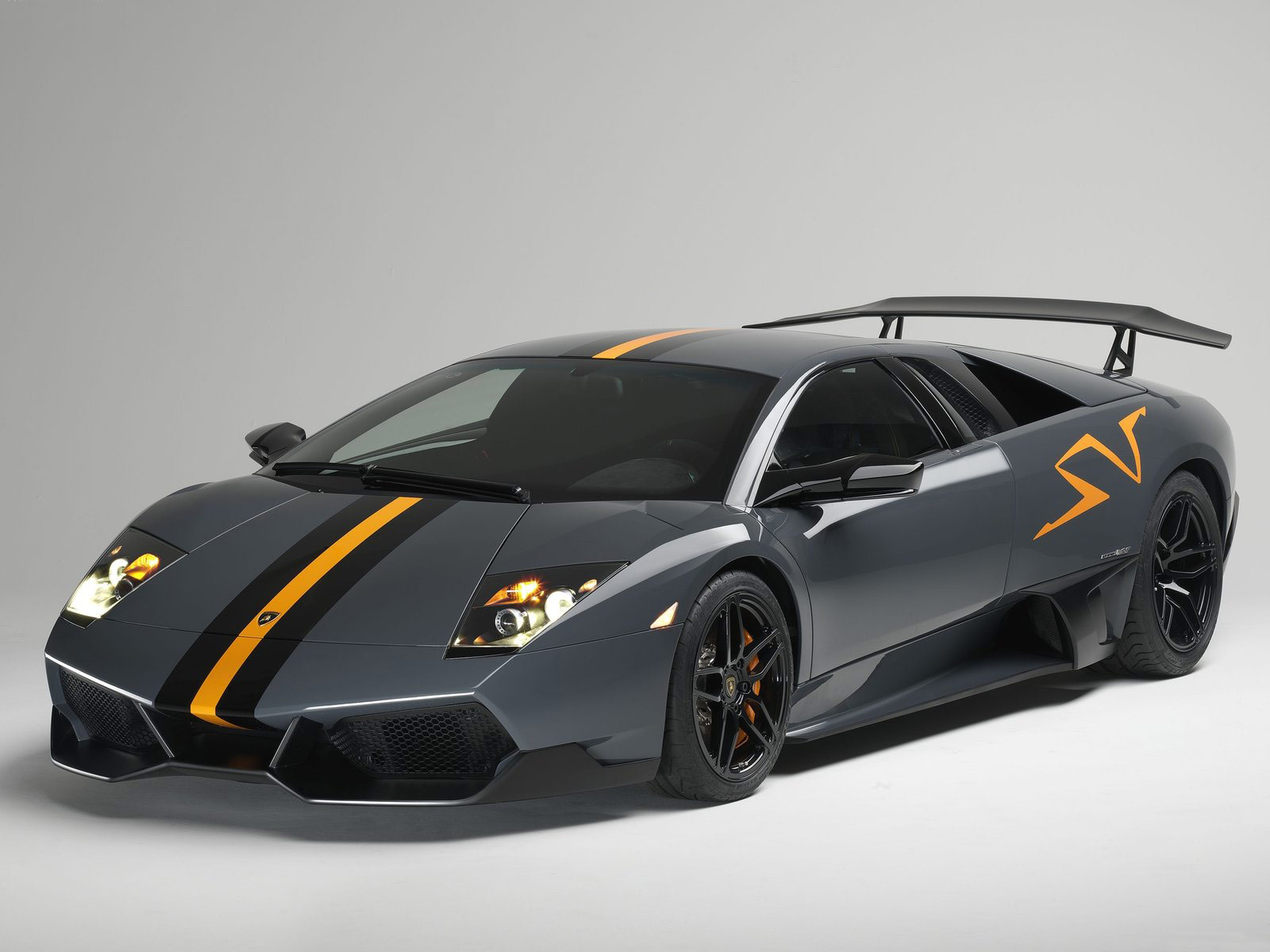 Lamborghini Murcielago LP670 4 SV 2 Wallpapers HD