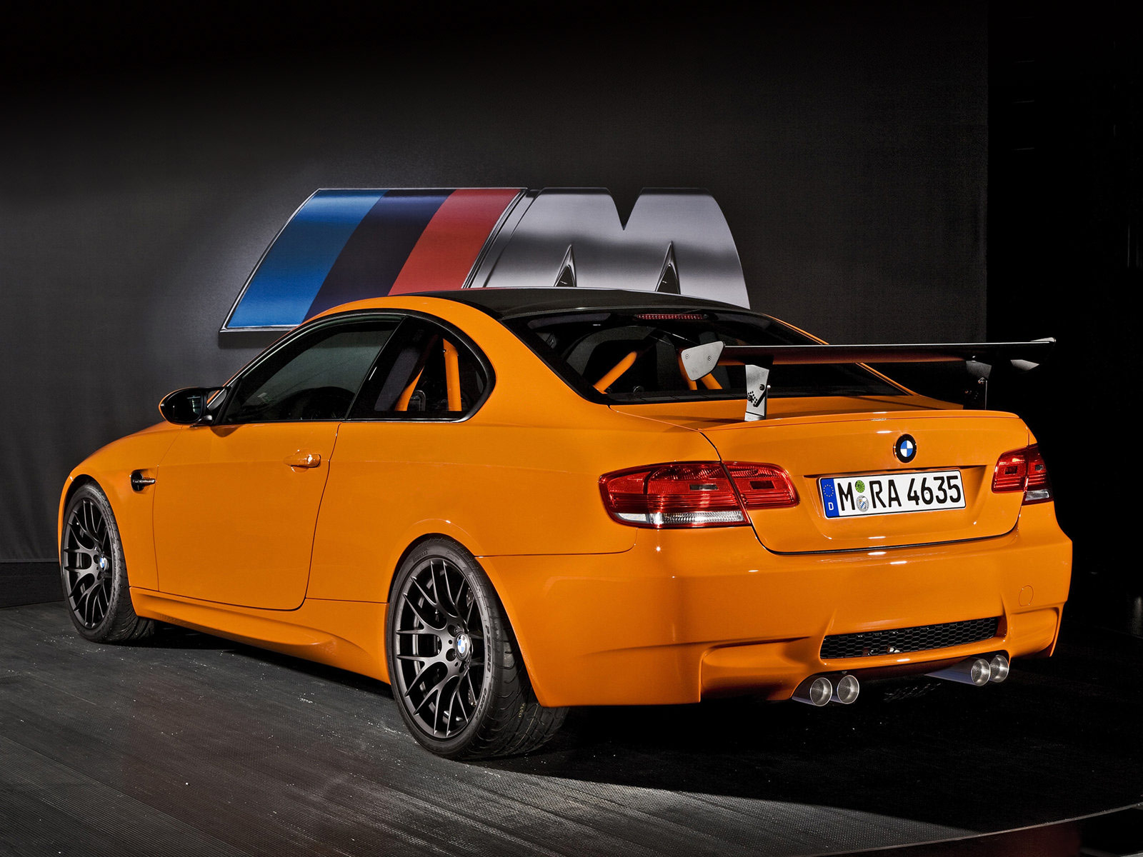 http://1.bp.blogspot.com/_DEP49tusZwg/TLU1robfICI/AAAAAAAACAE/t1L__WIV9tI/s1600/BMW-M3_GTS_2011_8.jpg