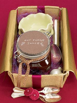 abellanas baadas con chocolate y nuez pueden ser una buena opcin de regalo para una canasta navidea