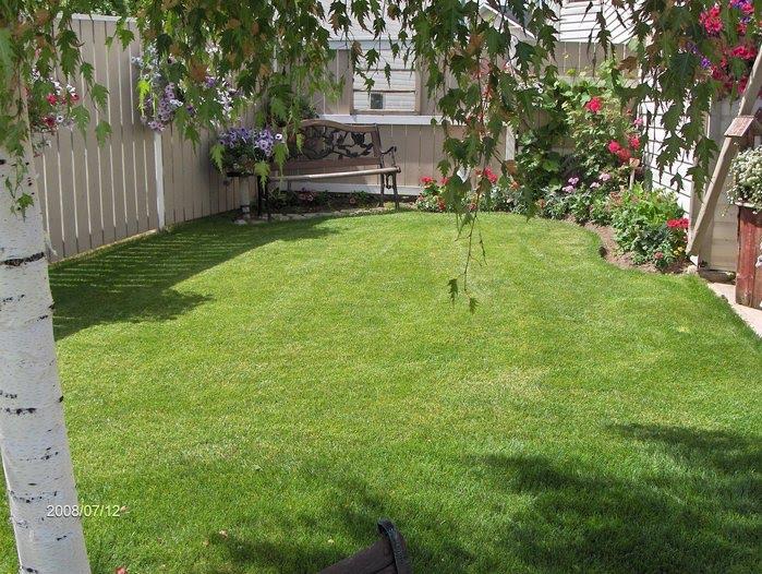 Decoraci n en jardines de casa lodijoella for Baldosas para jardin