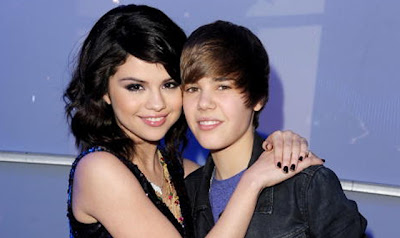 Selena Gomez and Justin Bieber spotted together at the Caribbean