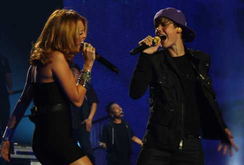 Justin Bieber  Miley Cyrus on Justin Bieber Miley Cyrus Thanked For Working In Concert   Noticias Y