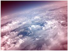 Dincolo de nori căutăm cu privirea, speranța...