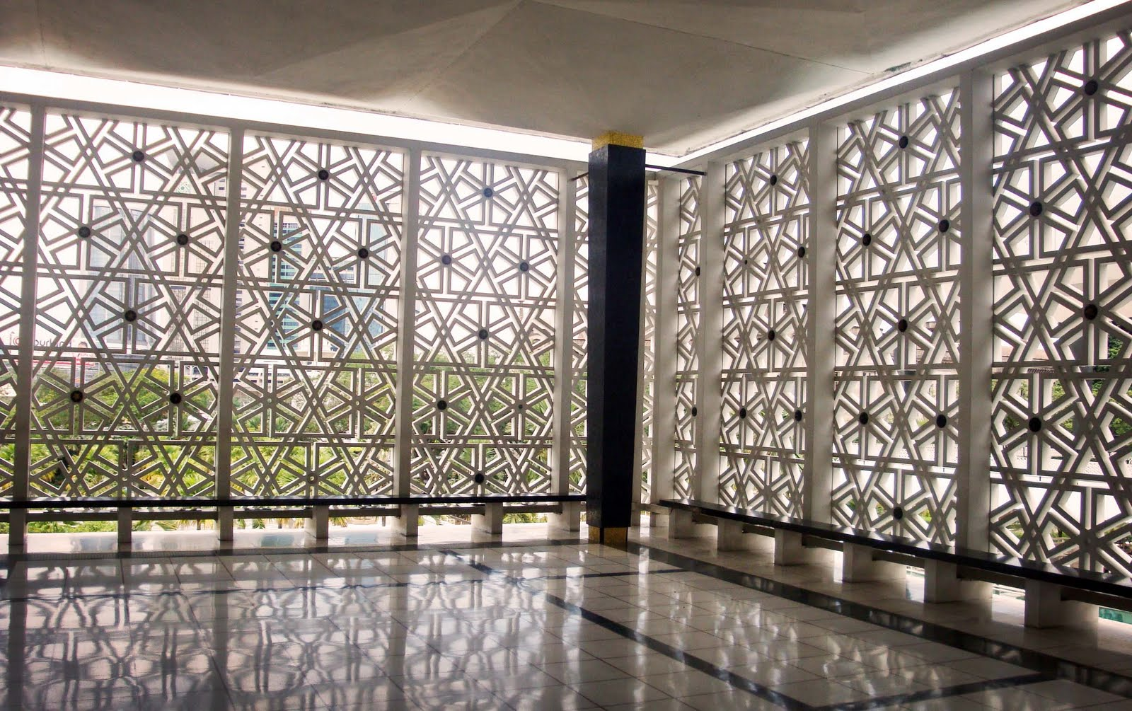 Sydney mosque winter holiday for Window design cement