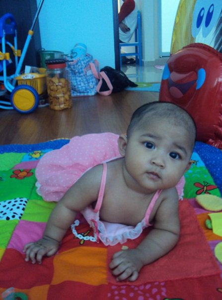 Nur Darwisya Damia 6 Month old on 6/02/10 (7.7kg)