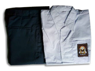 Omzet Bisnis Penjualan Baju Seragam Sekolah Melonjak - Peluang Usaha Musiman