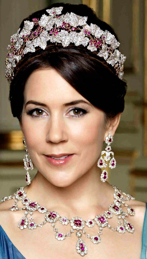 how tall is princess mary