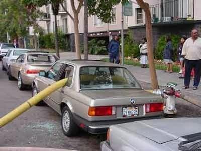 http://1.bp.blogspot.com/_DJcsUHJjn9c/SW72ol6uS_I/AAAAAAAAAWQ/ldNKTWju1aw/s400/funny-car-pictures-05.JPG