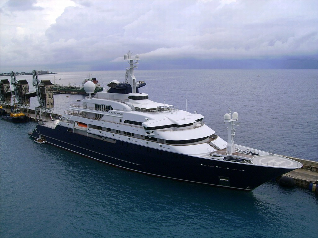 Most expensive yachts pictures world largest yachts owned for Largest private boat