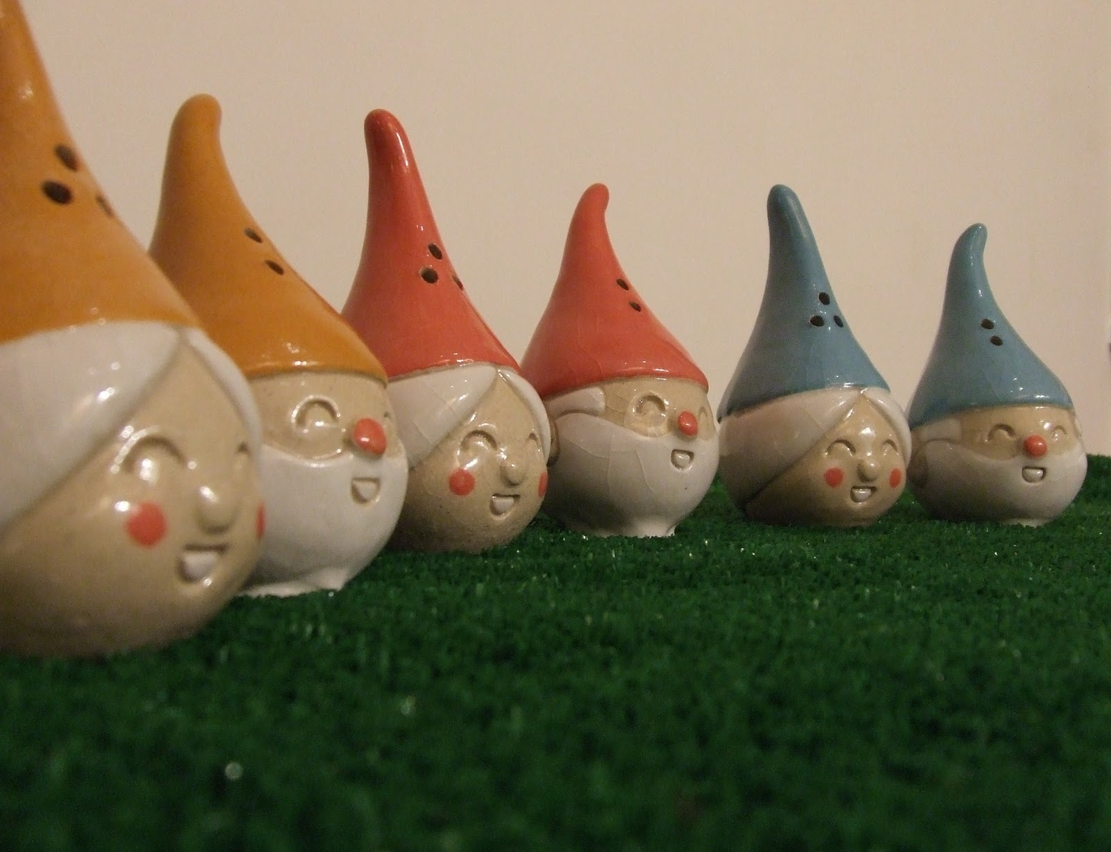 Sarah dare ceramics gnomes salt n pepper Salt n pepper pots