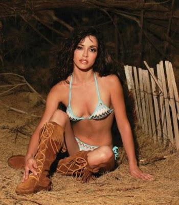 Bikini Milena Govich