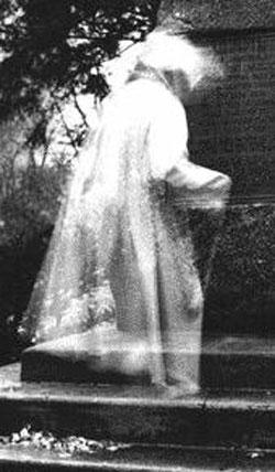 [fantasma_art.jpg]