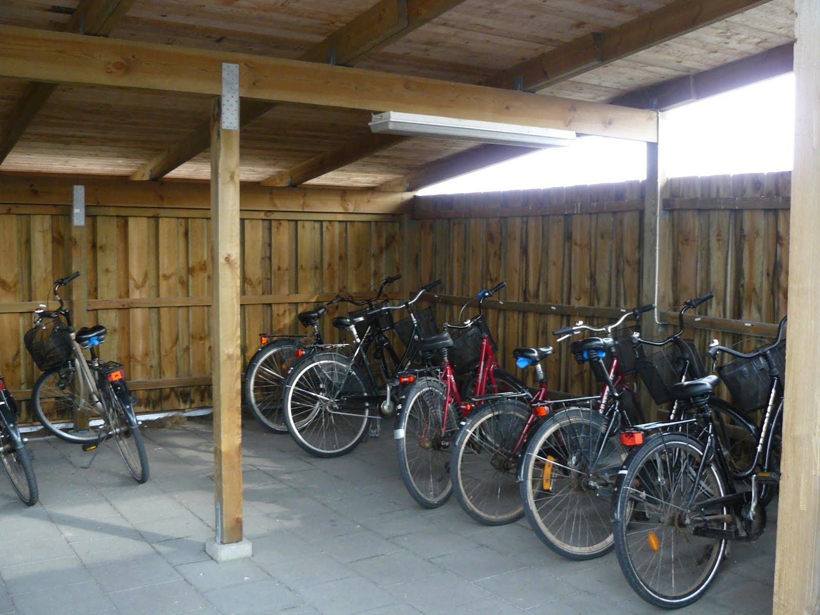 Puntos de recarga gratuita en suecia forococheselectricos for Caseta para bicicletas