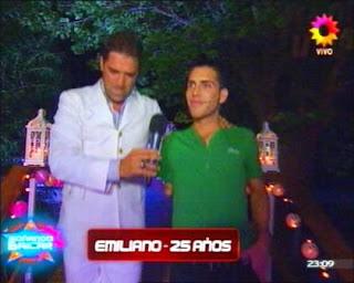 Emiliano Messina: Soñando por Bailar 2011 (Participante).