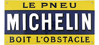 Michelin le pneu boit l'obstacle