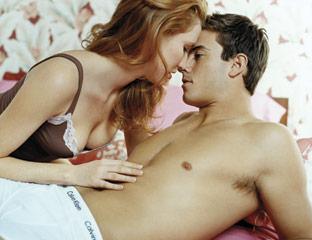 Seks Saat Menstruasi, Berbahayakah?