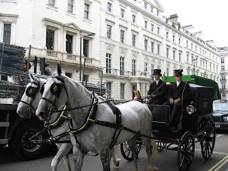 Buggy near Buckingham Palace
