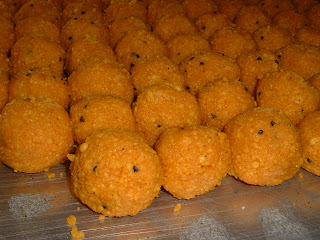 Motichur Laddoos