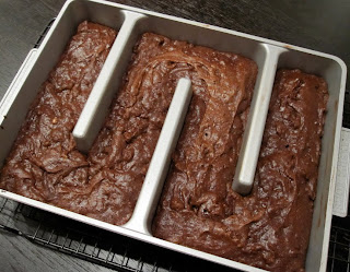Bacon Bourbon Brownies Fresh From The Oven | meljoulwan.com