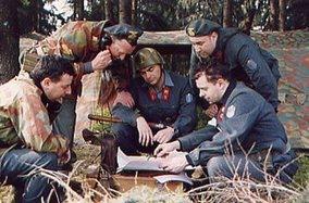 Uniformi e equipaggiamento...