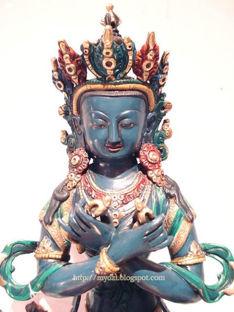 Buddhist Vajradhara detail