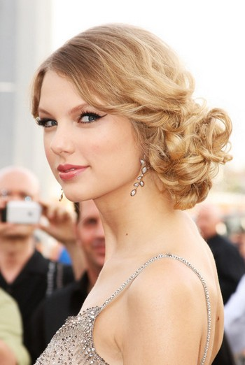 taylor swift hair updo. updo hairstyles for weddings.