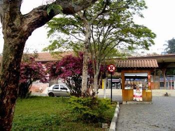 Mais uma foto tirada na praça principal: em Ribeirão Pires