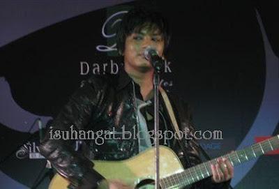 Faizal Tahir rambut pendek @ isuhangat.blogspot.com