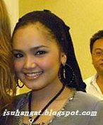 Tudung artis Malaysia @ isuhangat.blogspot.com