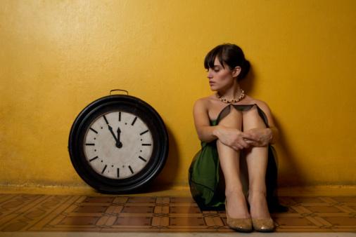 http://1.bp.blogspot.com/_DWHWlTCbLt0/TKHDYTN7sDI/AAAAAAAAAS0/1ffVLA2TXz0/s1600/girl-clock.jpg