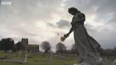 Statue fra kirkegården