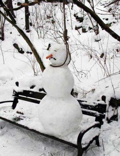Suicidal snowman