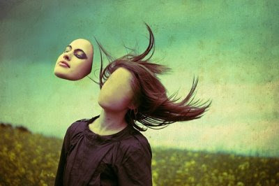 Faceless Composition by larafairie