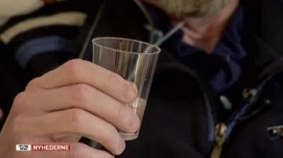 Kaj Guldbech og glas med pentobarbital natrium