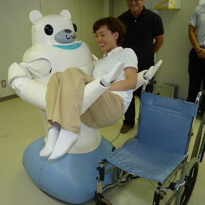 Robot prototype løfter menneske